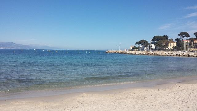Annonce N 126 Antibes Appartement T2 Climatise 4 Pers Parking Wifi Terrasse 50 M Plage Salis Antibes Vacances Cotedazur Com