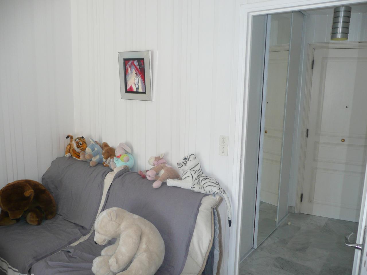 Loue studio climatis dans immeuble de standing centre ville d 39 antibes antibes vacances - Location studio meuble antibes ...